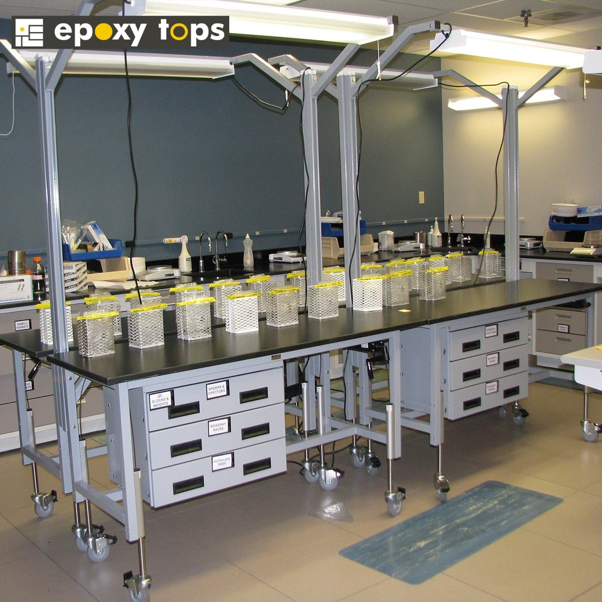 adaptable lab workbench with phenolic resin